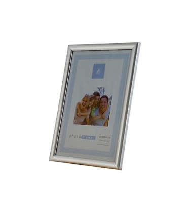 "Silver Picture Frame 4"" by 6"""